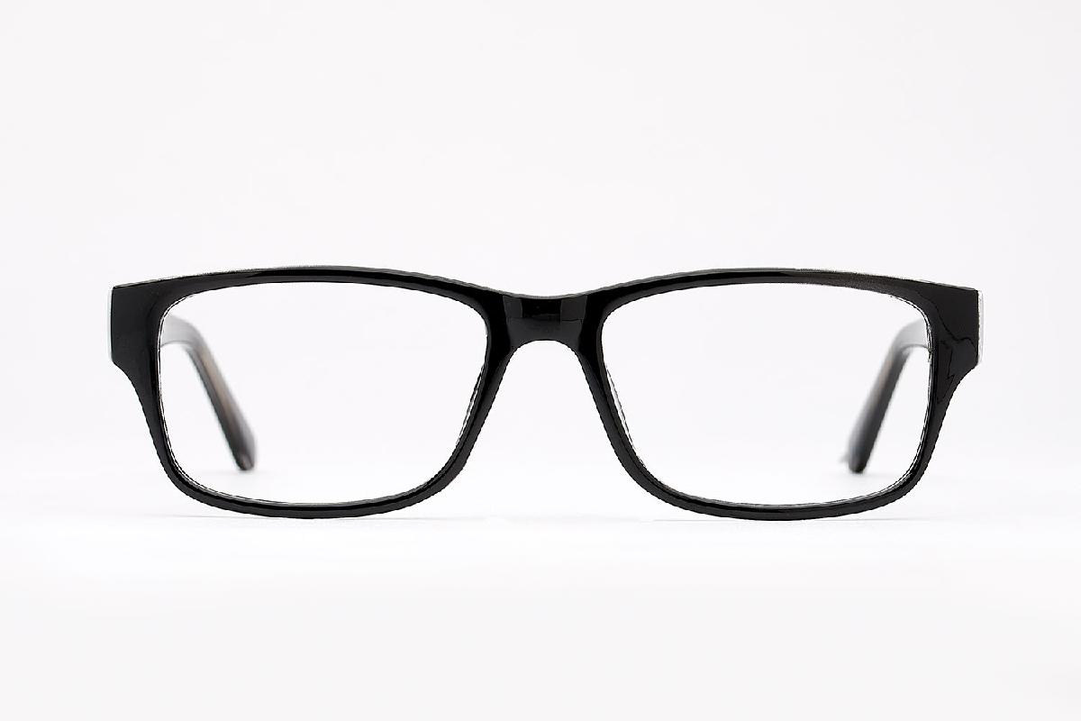 M&S Opticians S190182